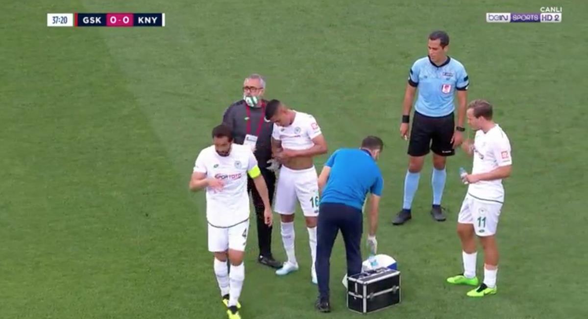Konyaspor comunicó lesión de Paolo Hurtado. Foto: Twitter Alessio Martínez