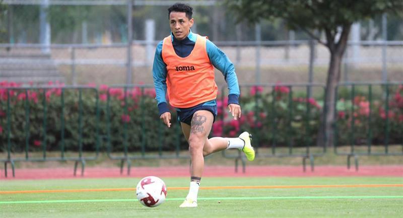 Yoshimar Yotún viene recuperándose de una lesión con Cruz Azul. Foto: Facebook Cruz Azul
