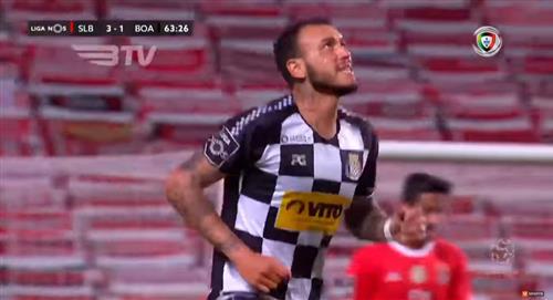 Golazo de Gustavo Dulanto al Benfica en Portugal