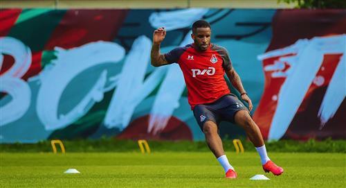 Jefferson Farfán volvió a los entrenamientos en cancha con Lokomotiv Moscú