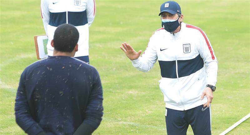 Mario Salas se reincorporó a entrenamientos de Alianza. Foto: Twitter Club Alianza Lima