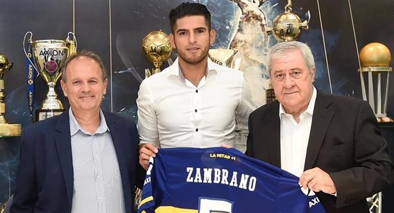 Carlos Zambrano tiene contrato con Boca por tres años. Foto: Andina