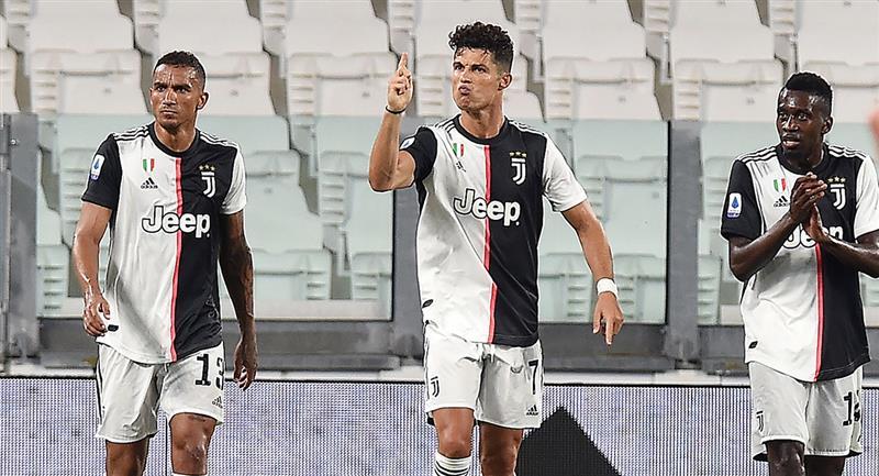 Cristiano Ronaldo marcó doblete de penal con Juventus. Foto: EFE