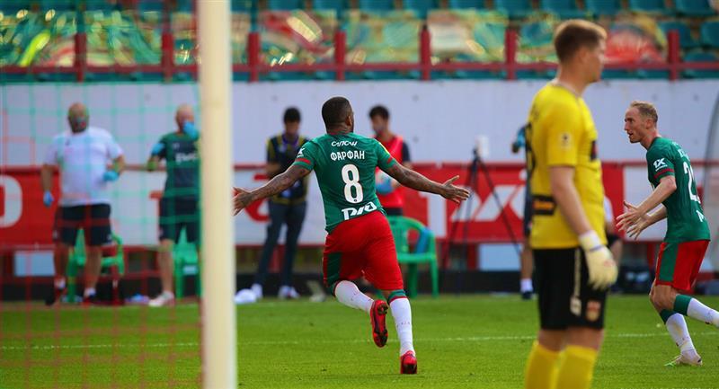 Jefferson Farfán puso el empate a los 81 minutos. Foto: Twitter Lokomotiv