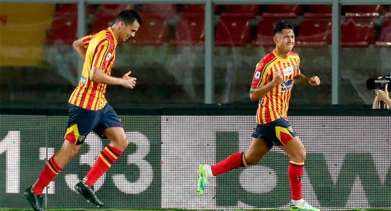 Gianluca Lapadula marcó a los 22' y 32' para el Lecce. Foto: Twitter Difusión