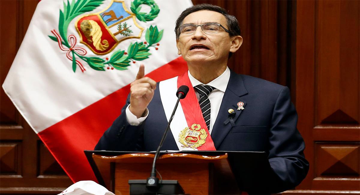 Martín Vizcarra anunció una nueva ayuda social. Foto: Andina