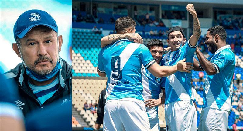 El profe Reynoso comenzó la Liga MX con todo. Foto: Twitter @ClubPueblaMX