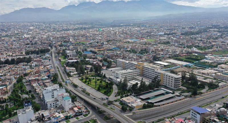 Toque de queda en provincias iniciará a las 20:00 horas. Foto: Andina