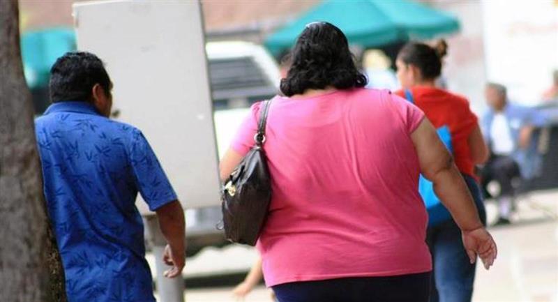 La mayoría de fallecidos por COVID-19 en el Perú son obesos. Foto: Andina