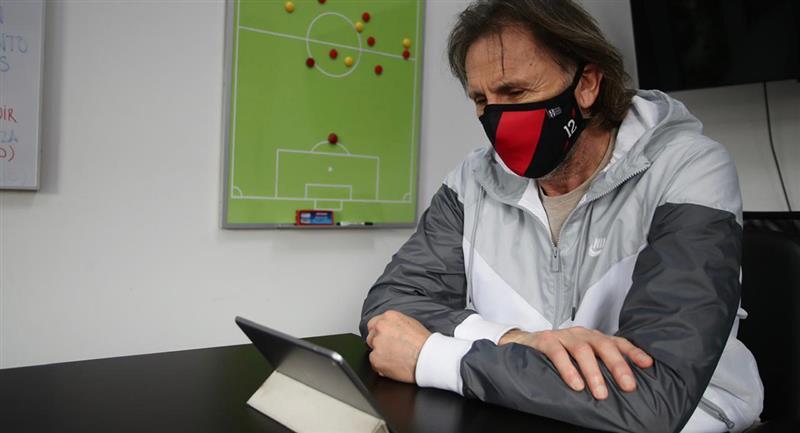 Ricardo Gareca trabaja pensando en las Eliminatorias. Foto: FPF