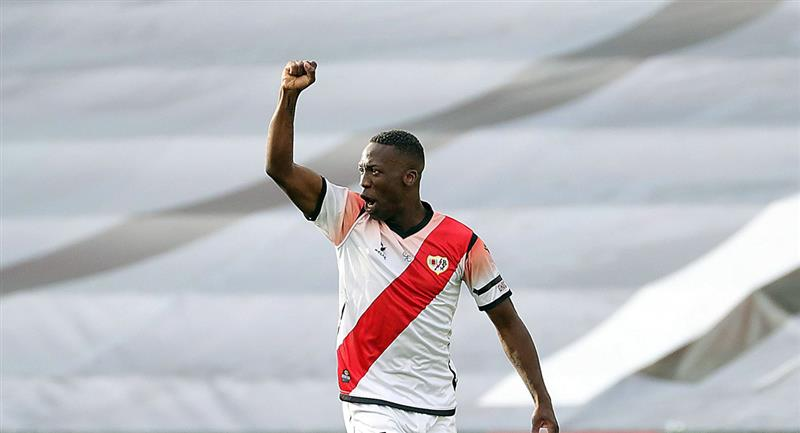Luis Advíncula estaría en mira de un reconocido club de Brasil. Foto: Andina