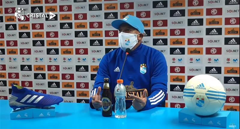 Roberto Mosquera fue claro ante la suspensión de la Liga 1. Foto: Youtube Cristal TV (Captura)