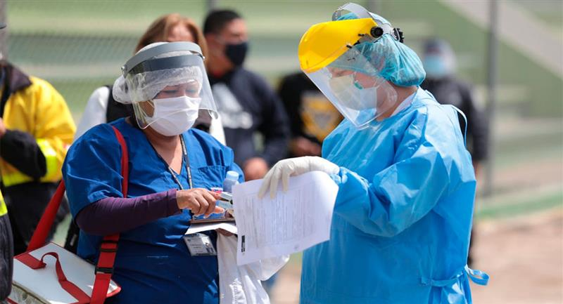 Perú muy cerca de llegar al medio millón de contagiados. Foto: Twitter @EsSaludPeru