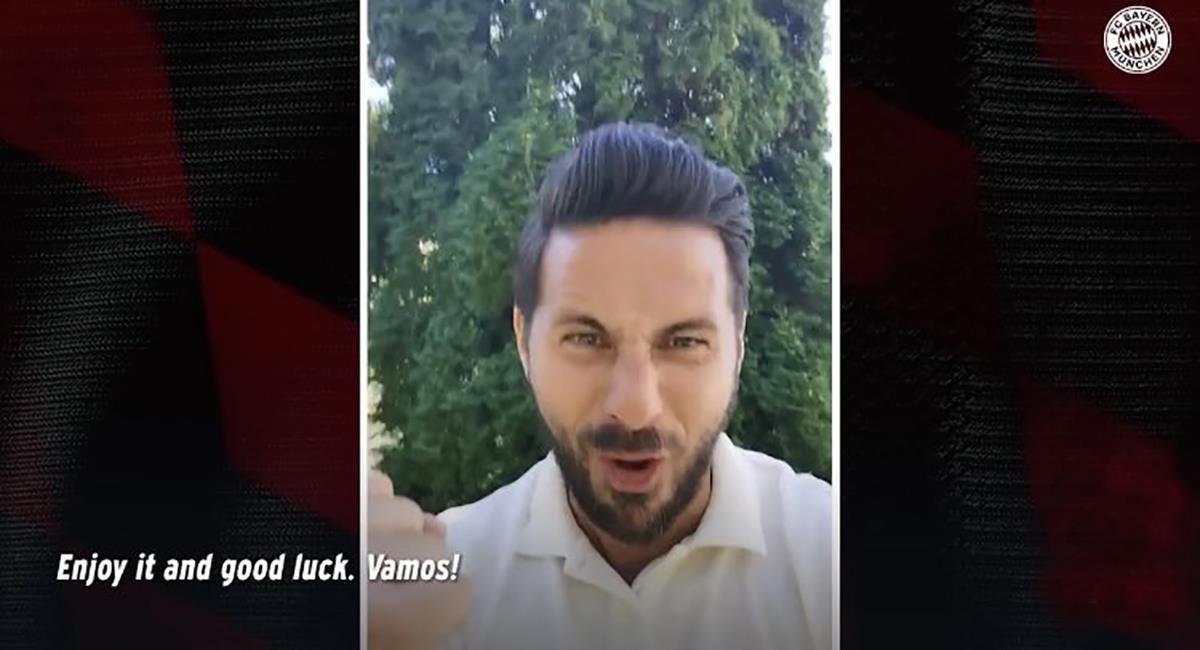Claudio Pizarro y el saludo a Bayern para la final. Foto: Youtube FC Bayern Múnich (Captura)