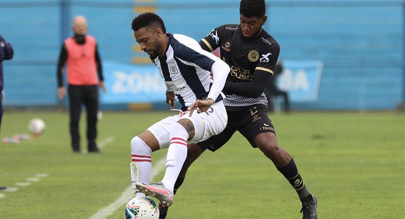 Alexi Gómez en Alianza  Lima es uno de los suspendidos. Foto: Prensa FPF