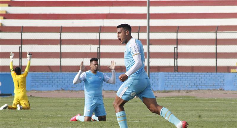 Alex Valera lleva cinco goles con Llacuabamba. Foto: Prensa FPF