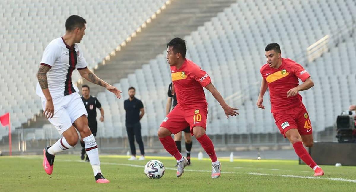 Christian Cueva jugó todo el partido con Malatyaspor. Foto: Twitter @YMSkulubu