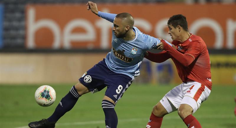 Cristal y Cienciano juegan en Matute. Foto: Prensa FPF