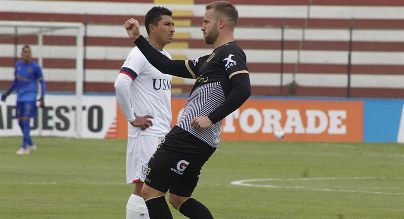 Danilo Carando abrió la cuenta a los 3 minutos. Foto: Prensa FPF
