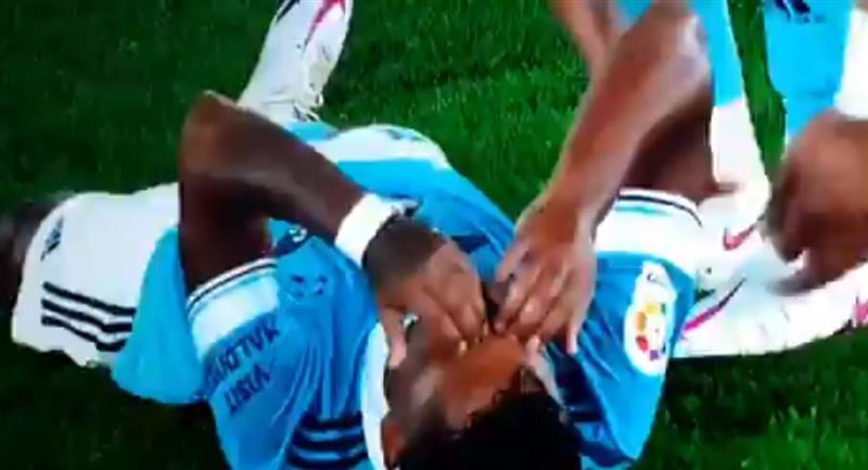 Renato Tapia no pudo terminar el encuentro con Celta de Vigo. Foto: Twitter @DiegoMedina05