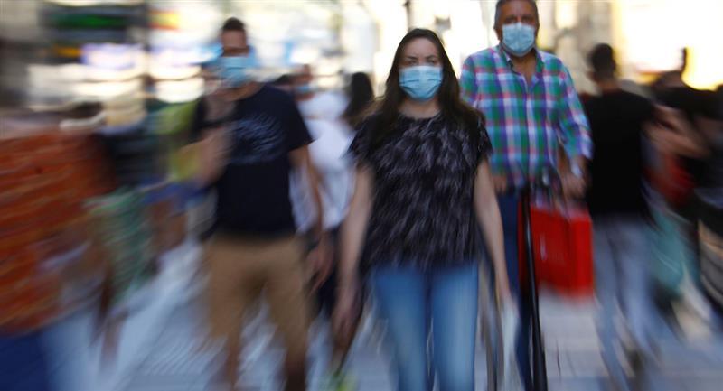 El uso de mascarillas tiene que ser obligatorio, aseguran especialistas. Foto: EFE