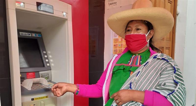 Bono Universal de 760 soles llegará al ámbito rural. Foto: Andina