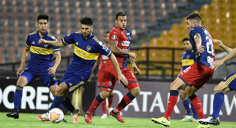 Carlos Zambrano disputó todo el partido con Boca Juniors. Foto: Twitter @BocaJrsOficial