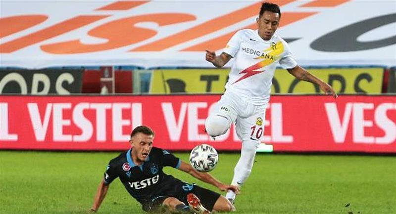 Christian Cueva jugó solo el primer tiempo. Foto: Twitter Yeni Malatyaspor
