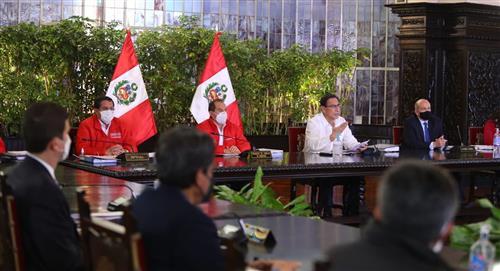 Perú: Presidente Martín Vizcarra dio a conocer que el 8 de octubre será día laborable