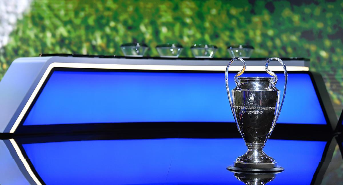 UEFA dio a conocer buenas nuevas en el fútbol. Foto: EFE