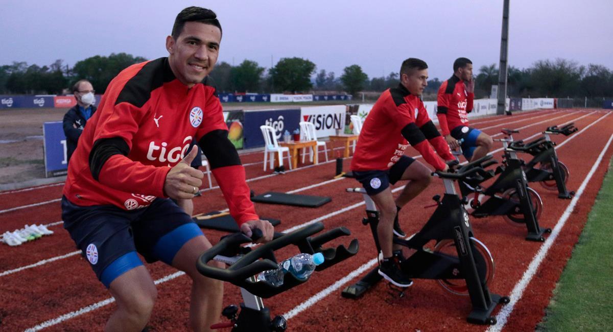 Paraguay ya quedó listo para choque con Perú este jueves. Foto: Twitter @Albirroja