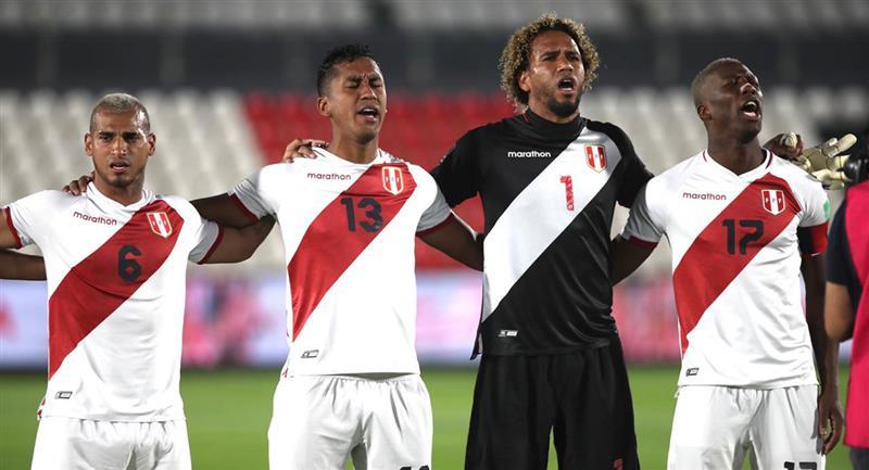 Peru Vs Paraguay Asi Se Entono El Himno Nacional Del Peru En Asuncion Por Eliminatorias