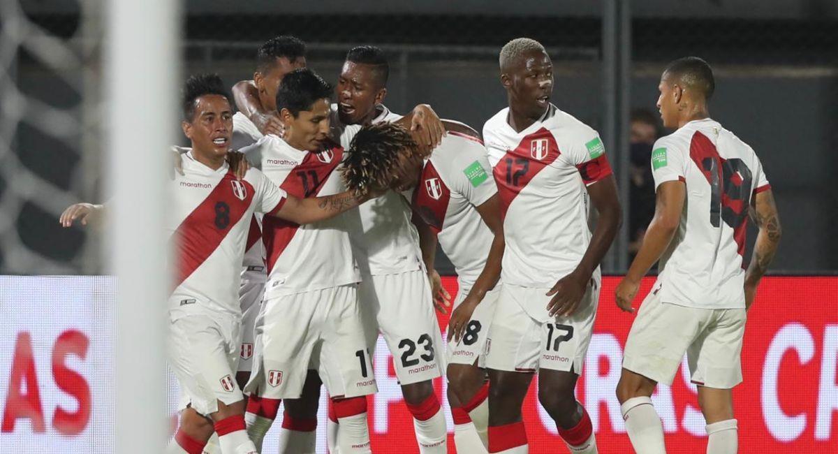La Selección Peruana celebrando uno de sus goles ante Paraguay. Foto: Twitter Selección Peruana