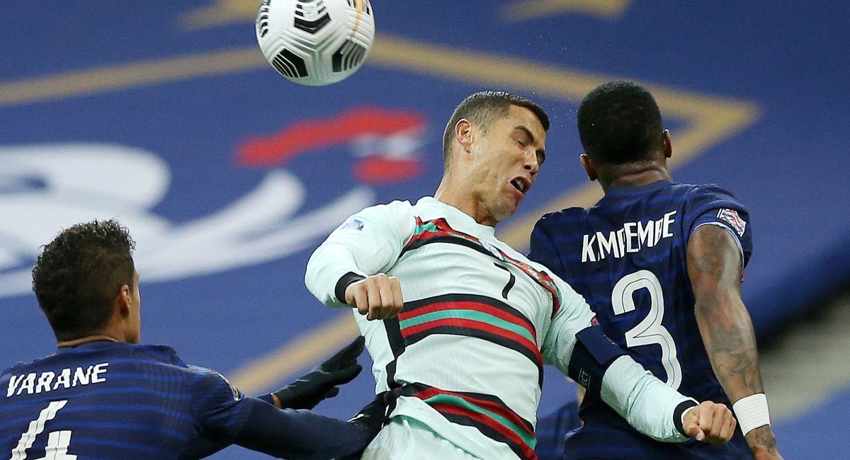Cristiano Ronaldo no pudo con la defensa de Francia. Foto: EFE