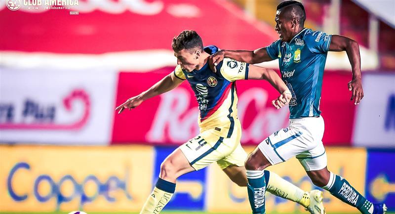 Pedro Aquino jugó 90 minutos del partido contra América. Foto: Twitter @ClubAmerica