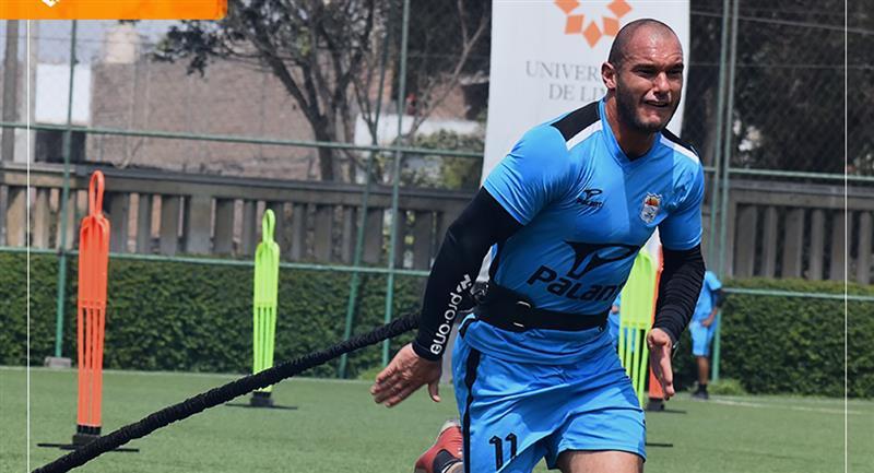 Adrián Zela es refuerzo de Sport Chavelines. Foto: Facebook Sport Chavelines Juniors