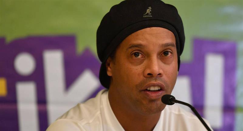 Ronaldinho anunció haber dado positivo a prueba de la COVID-19. Foto: EFE