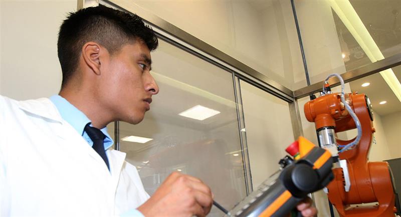 Carreras técnicas con mayor demanda en el Perú. Foto: Andina