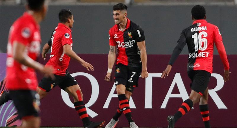 Melgar ganó con gran actuación colectiva en el Estadio Nacional. Foto: EFE