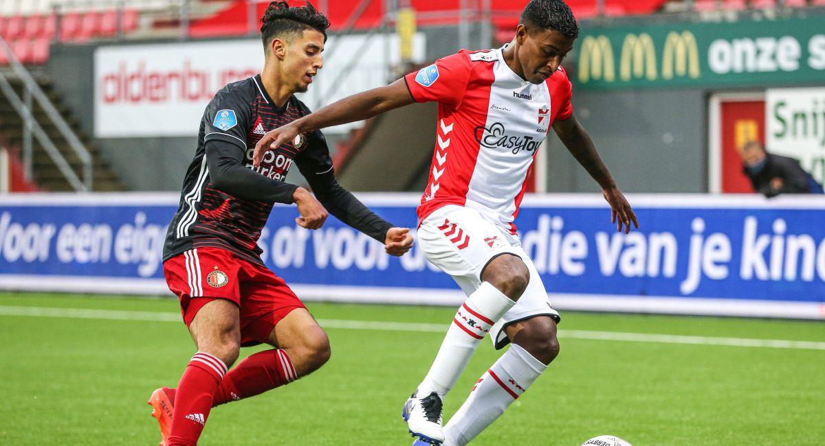Miguel Araujo no pudo evitar la derrota del Emmen en la Eredivisie. Foto: Facebook Club Feyenoord