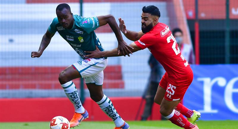 Toluca y León firman un entretenido empate en el inicio de dominical de la Liga Mx