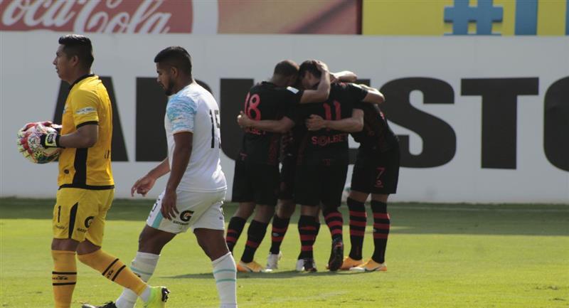 Melgar despidió a Llacuabamba de la primera división. Foto: Prensa de la FPF