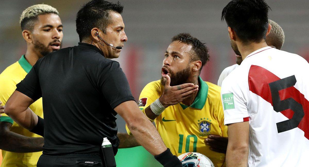 Julio Bascuán y Neymar habían sido denunciados en Perú. Foto: Twitter