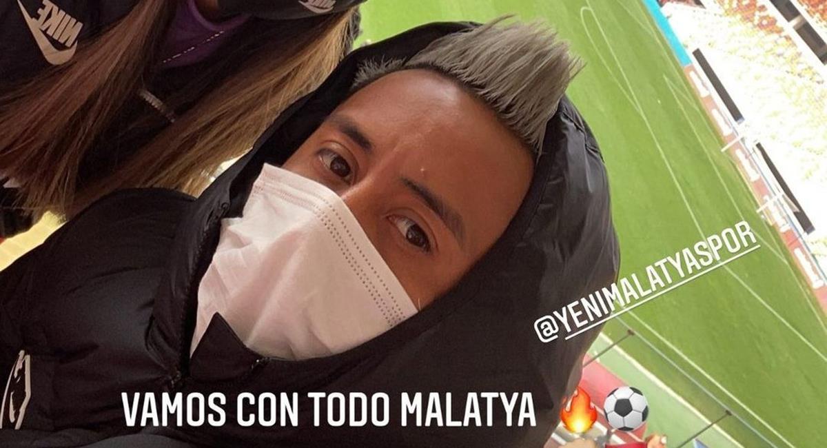 Cueva vio a su club desde tribunas. Foto: Instagram @cueva10oficial