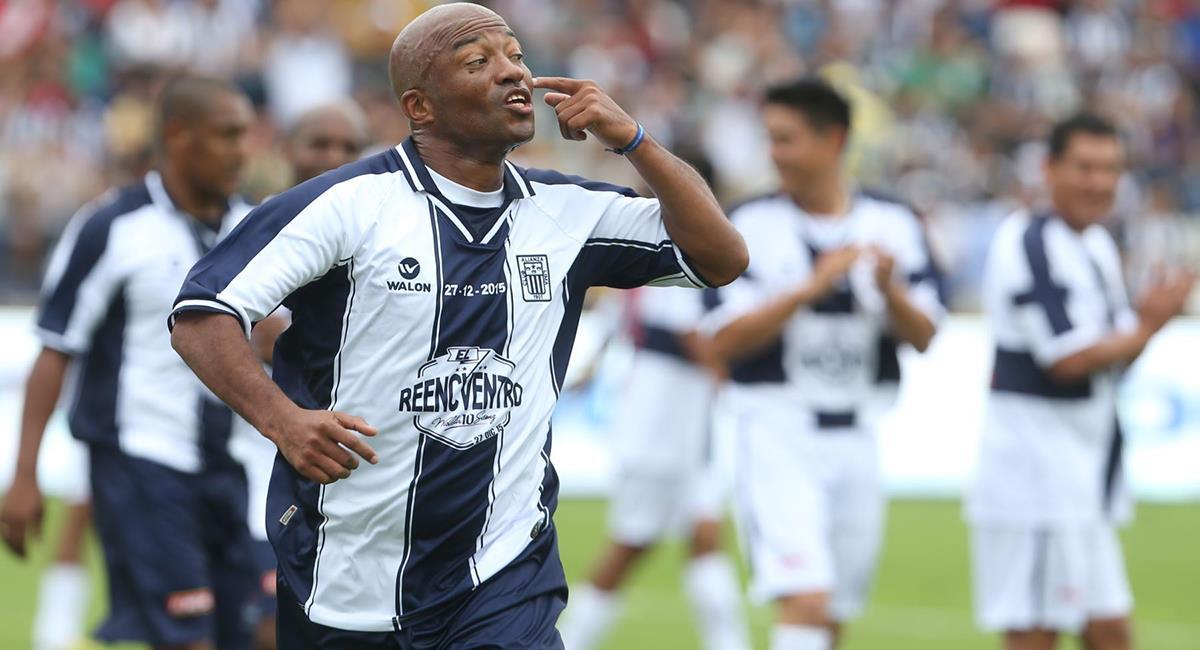 Waldir Sáenz prometió regresar a Alianza Lima con 47 años. Foto: Andina