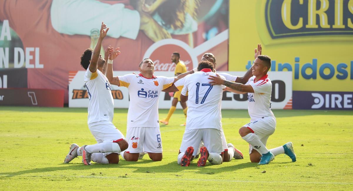 Hasta cuatro equipos peligran su permanencia en Primera División. Foto: Prensa FPF