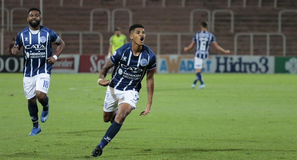 Cartagena no pudo sumar minutos con Godoy Cruz. Foto: Twitter Wilder Cartagena