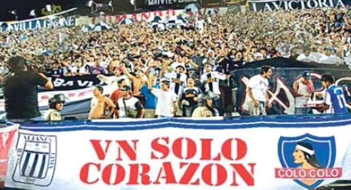 Colo Colo lamentó descenso de Alianza Lima. Foto: Twitter Colo Colo