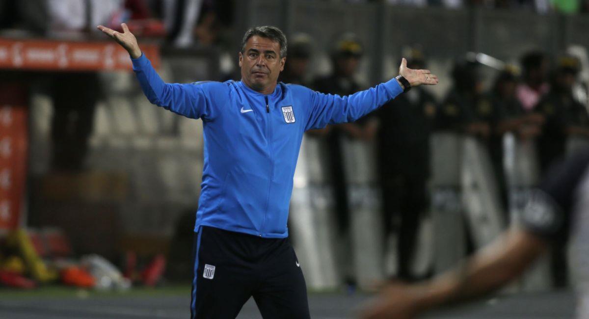Pablo Bengoechea  no fue ajeno al descenso de Alianza Lima. Foto: Andina