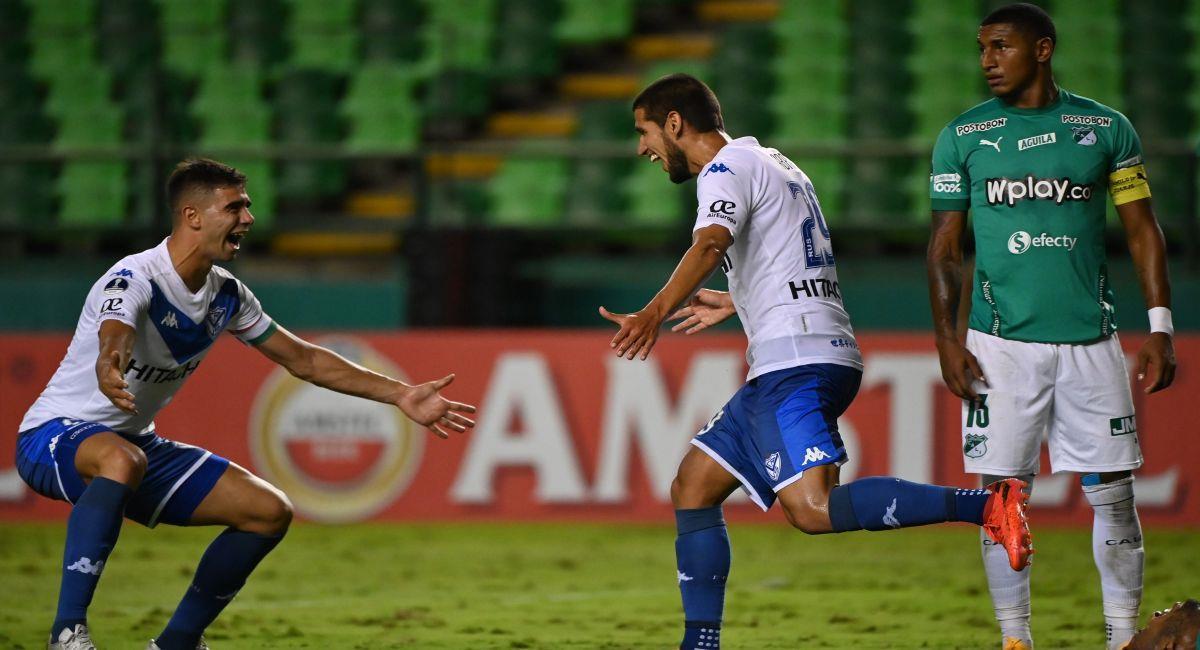 Vélez Sarsfield celebrando el gol marcado por Luis Abram. Foto: EFE